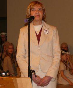 Dr. Auksė Narvilienė, Taikos vėliavos komiteto pirmininkė, Tarptautinio Taikos vėliavos komiteto prie JT koordinatorė Lietuvoje.