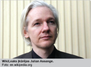 jullian_assange_326x210-01