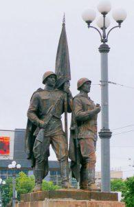Sovietinių karių skulptūra, dar taip neseniai bjaurojusi istorinį Žaliąjį tiltą Vilniuje. Vytauto Visocko (Slaptai.lt) nuotr.