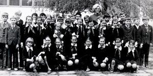 Žirmūnų 7-oji vidurinė mokykla apie 1976-uosius metus.