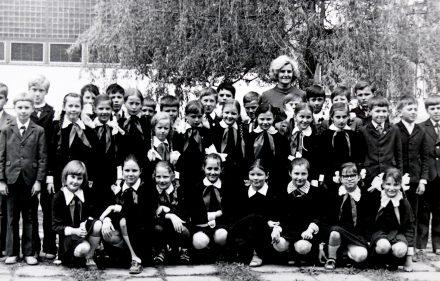 Vilniaus 7-oji vidurinė mokykla Žirmūnuose apie 1976-uosius metus.