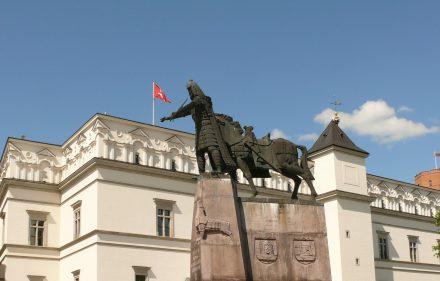 Lietuvos Karalius Gediminas. Paminklo autoriai - Vytautas Kašuba, Mindaugas Šnipas. Vytauto Visocko (Slaptai.lt) nuotr.