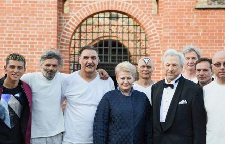 """Lietuvos Respublikos Prezidentė Dalia Grybauskaitė apsilankė grupės """"Antis"""" koncerte."""