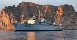 """Lietuvos karinių jūrų pajėgų priešmininis laivas M53 """"Skalvis"""" - tarptautinėse pratybose."""