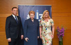 Dubrovnikas. Lietuvos Prezidentė Dalia Grybauskaitė su Lenkijos Prezidentu Andrzejumi Duda ir Kroatijos Prezidente Kolinda Grabar-Kitarovič.