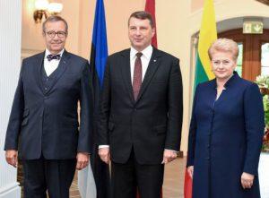 Baltijos valstybių vadovai: Toomas Hendriksas Ilvesas, Raimondas Vėjuonis ir Dalia Grybauskaitė. Lietuvos prezidento kanceliarijos nuotr.