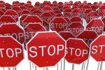 Stop ženklas, kurio kai kada reikėtų paisyti ir žiniasklaidai, ir valstybės institucijoms.