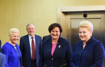 Prezidentė Dalia Grybauskaitė ir Seimo pirmininkė Loreta Graužinienė (kairėje).