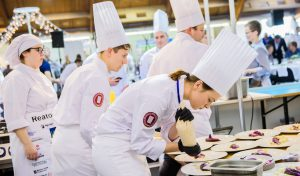 """Tarptautinis Baltijos šalių virėjų čempionatas """"Baltijos kulinarinis paveldas"""", kuriame sėkmingai pasirodė Lietuvos komanda."""