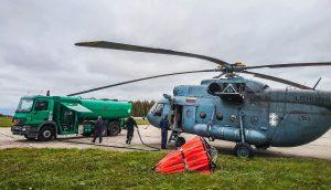 Lietuvos karinių pajegų sraigtasparnis, atskridęs į Radviliškį.