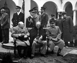 Jaltos konferencija. Didžiosios Britanijos, JAV ir SSRS vadovai: Vinstonas Čerčilis, Franklinas Ruzveltas ir Josifas Stalinas.