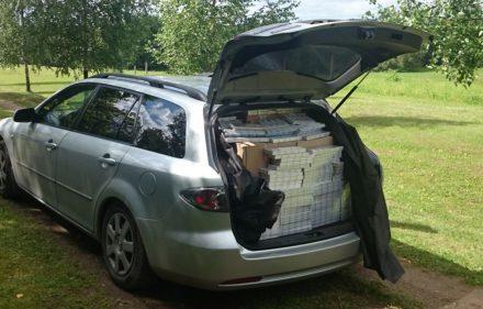 Automobilio bagažinėje - kontrabandinės cigaretės