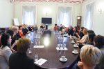 Prezidentūroje susitiko Lietuvos verslo moterų tinklo atstovės ir smurtą artimoje aplinkoje patyrusios moterys, globojamos Vilniaus miesto krizių centro.