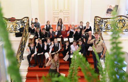 Prezidentūroje - užsienyje gyvenančių lietuvių vaikai.