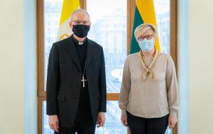 Premjerė susitiko su apaštaliniu nuncijumi. Vyriausybės kanceliarijos nuotr.