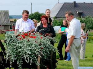 R. Gylienė prie savo gėlių