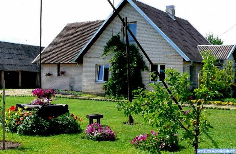 Ritos ir Raimundo Labonių sodyba Gerkonių kaime, Anykščių rajonas