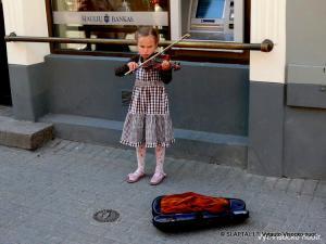 Gatvės muzikantė