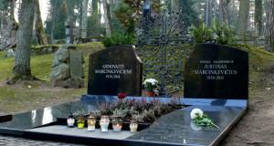 Poeto Justino Marcinkevičiaus kapas