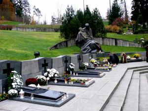 Sausio 13-osios aukoms atminti
