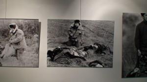 Genocido muziejuje demonstruojamos nuotraukos apie Hodžaly tragediją. Slaptai.lt nuotr.