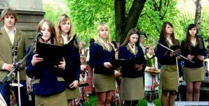 Aušros gimnazistės apie  Aušrą  ir aušrininkus