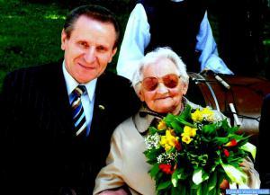 LPD atkūrėja Birutė Federavičienė su LPD pirmininku J. Dingeliu