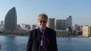 Azerbaidžano sostinė Baku. Slaptai.lt nuotraukoje žurnalistas Gintaras Visockas.