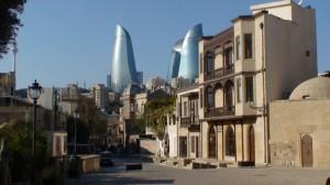 Tolumoje - Azerbaidžano dangoraižiai. Slaptai.lt nuotr.