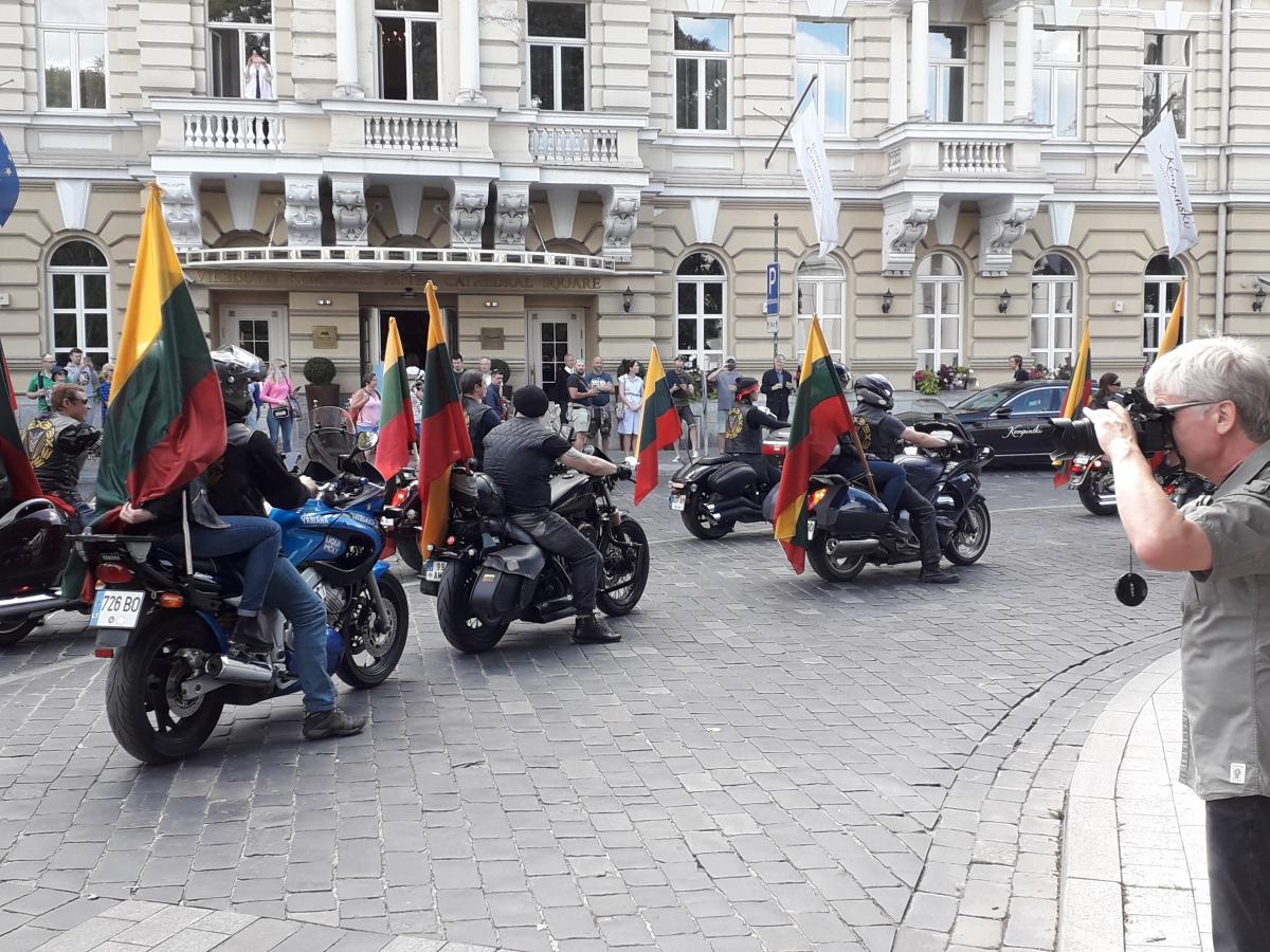 Motociklininkų kolona