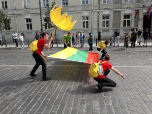 Nešama Lietuvos trispalvė