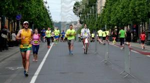 Visi bėga (3)