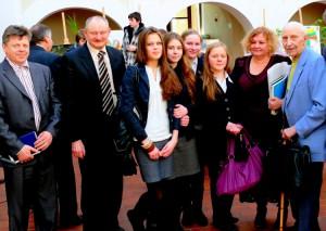 Vilius Bražėnas su moksleiviais Kėdainiuose