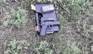 Pistoletas su šoviniais. Slaptai.lt foto
