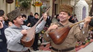 Azerbaidžaniečiai moka ir groti, ir dainuoti