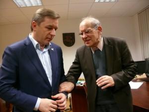 LVŽS pirmininkui,Seimo kutūros komiteto vadovui Ramūnui Karbauskiui sėkmės linki filosofas Krescencijus Stoškus