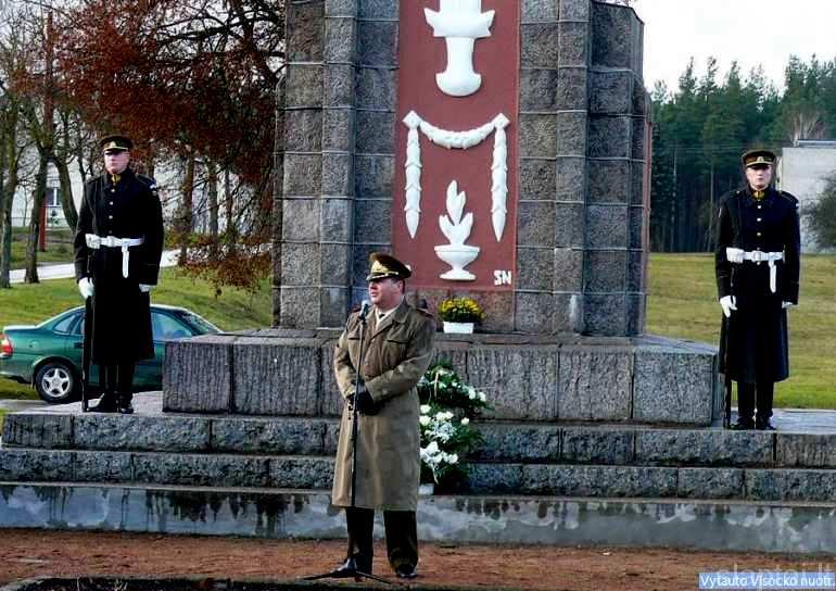 Perlojiečius sveikina Lietuvos kariuomenės vadas generolas majoras Valdas Tutkus