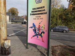Reklama gatvėje. Slaptai.lt nuotr.