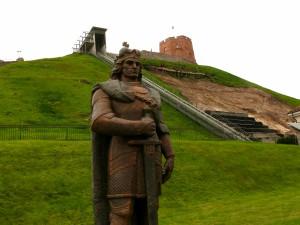 Vytautas Didysis - prie griūvančio Gedimino kalno