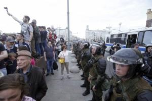 Rusijoje išvaikomas protesto mitingas (4)