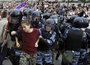 Rusijoje išvaikomas protesto mitingas (5)