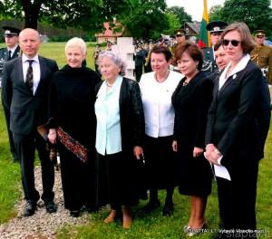 Ūta. Su pasieniečio A.Barausko dukra Ona Brasiūniene (trečia iš kairės)