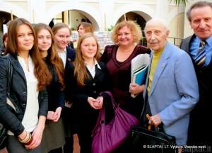 Politologas, antiglobalistas, antikomunistas Vilius Bražėnas Kėdainių Šviesiojoje gimnazijoje
