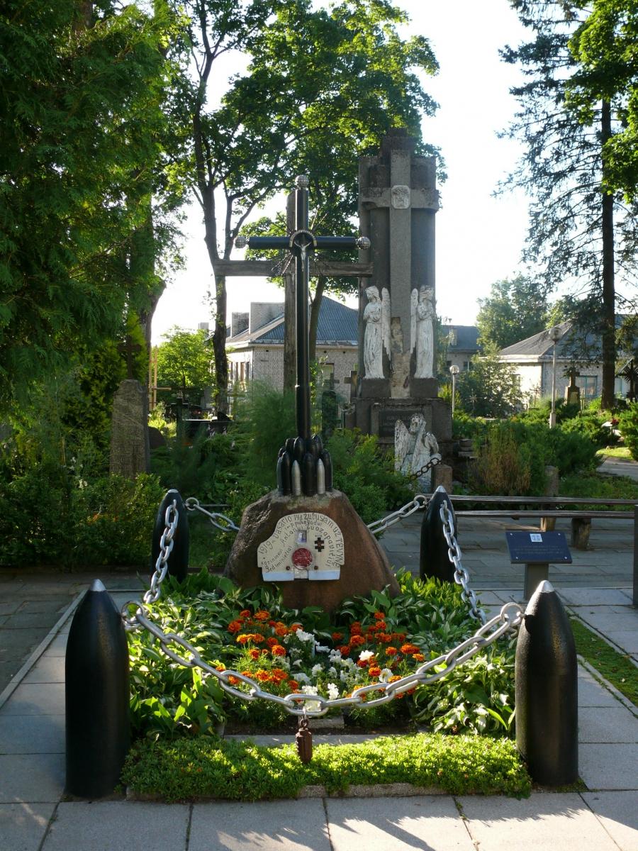 Pirmojo Lietuvos karininko Antano Juozapavičiaus kapas Alytaus kapinėse