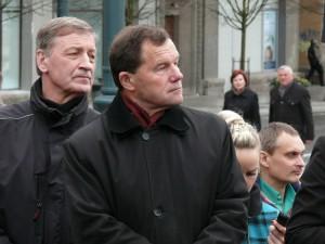 Dailininkas Arvydas Šaltenis ir politikas Kazimieras Uoka