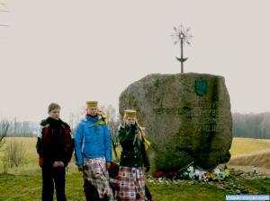 Prie Kovo-11-osios paminklo Kampuočiuose2