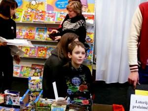 Knygų mugėje - vaikai (4)