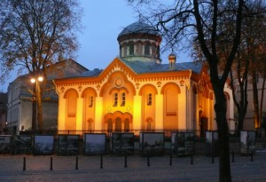 Viniaus šv. Paraskevos cerkvė vakare