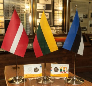 Trijų Baltijos šalių vėliavos