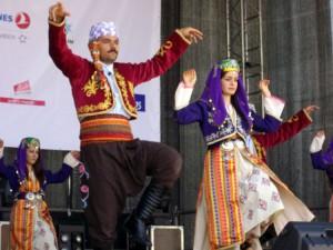 Turkai Rotušės aikštėje (1)